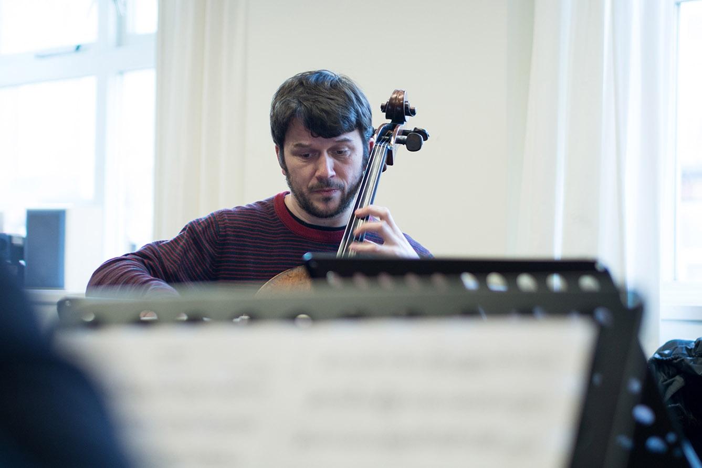 Plaatsvervangend solocellist Johan van Iersel: 'Ik gooi alles in de snelkookpan'